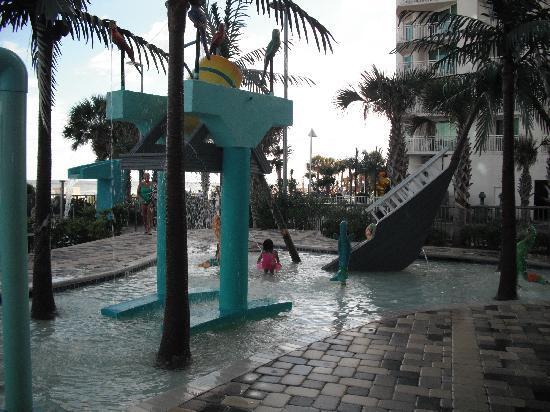 Oceans One Resort: outdoor kiddie pool