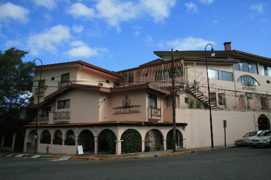 Hotel La Amistad: Hotel exterior