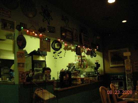 Blue Moon Cafe : Counter area