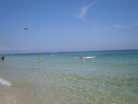 Marhaba Beach: the beach near the hotel