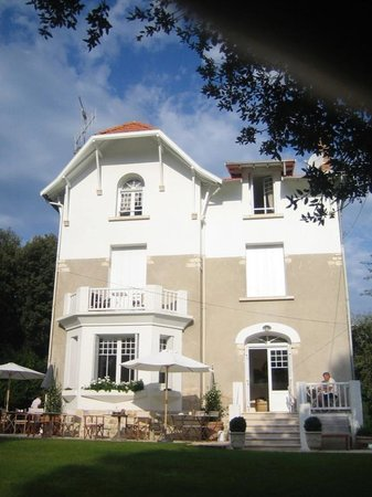 Ma Maison De Mer : The house from the road