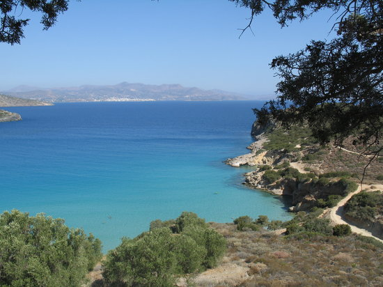 Anissaras, Greece: Picturesque small bay near Istro, Agios Nikolaos