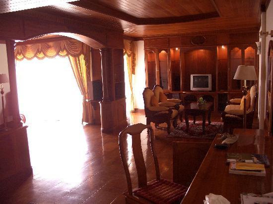 Borei Angkor Resort & Spa : Unser Zimmer, Sitzgrupppe