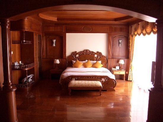 Borei Angkor Resort & Spa : Unser Zimmer, Bett