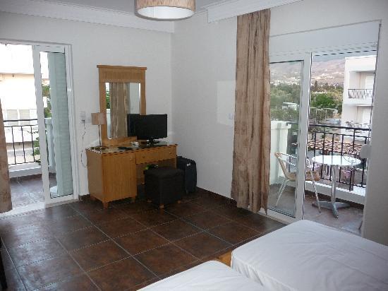 Peridis Family Resort: Peridis Bedroom view 1