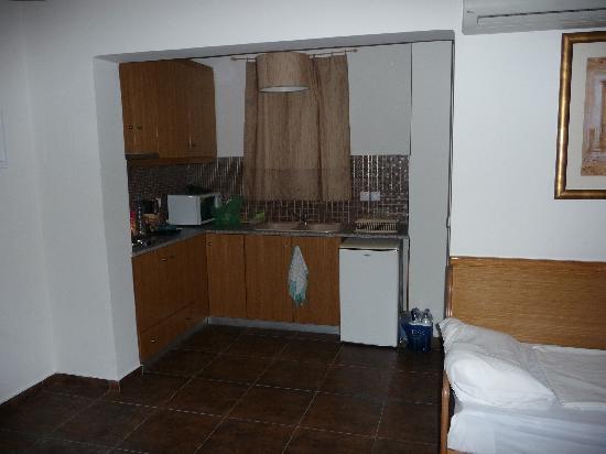 Peridis Family Resort: Peridis Kitchen