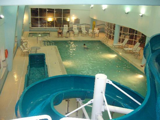 Dartmouth Crossing Hotel Pool