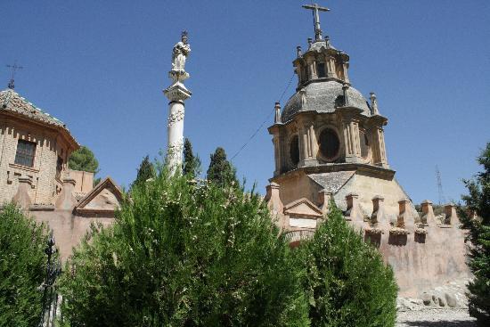 Sacromonte: Abadia y cuevas
