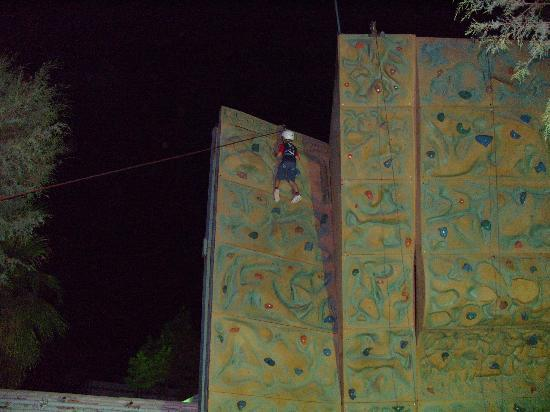 Parkim Ayaz Hotel: Climbing Wall Great fun!!