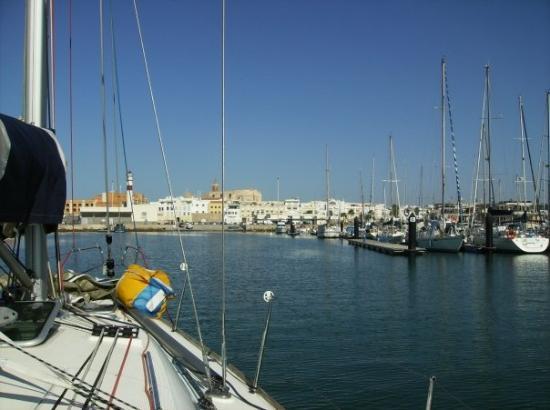 โรตา, สเปน: a entrada do veleiro mais veleiros de todos os veleiros, na marina de Rota