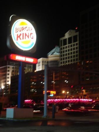 Coral Gables, Flórida: el burguer king que queda cerca de la subway station...