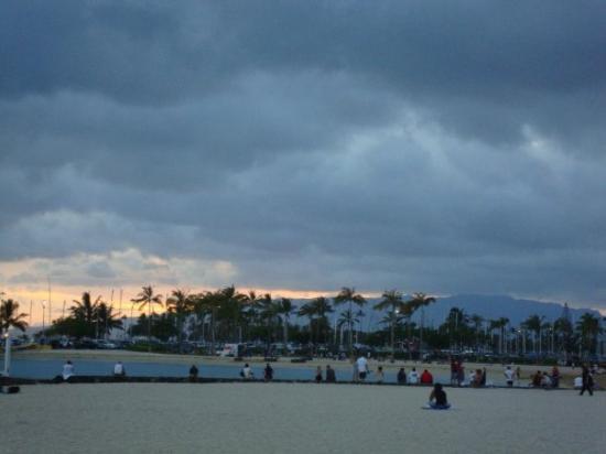 Hale Koa Hotel: Sunset in Waikiki