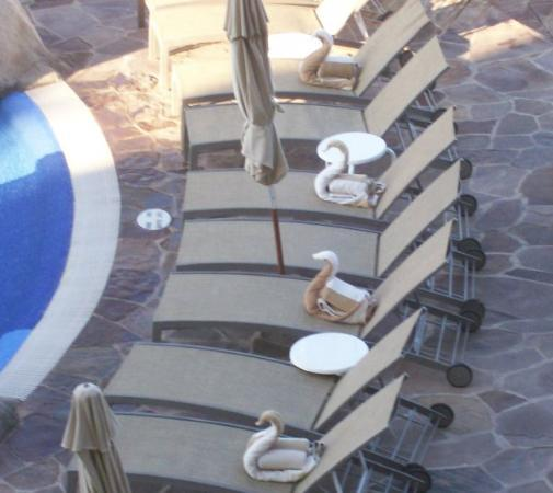 Pueblo Bonito Sunset Beach Golf & Spa Resort: View from our balcony - Pueblo Bonito Sunset Beach-  Swan Towels