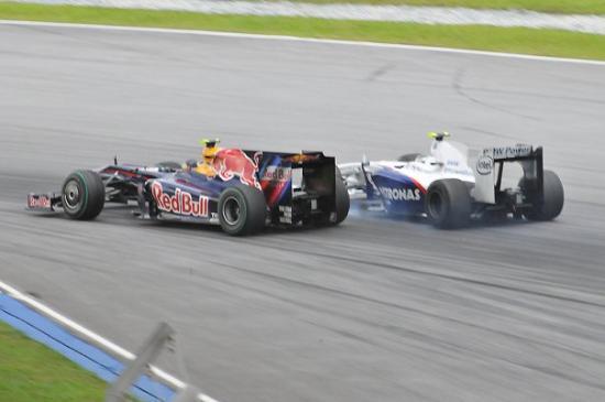 เซปัง, มาเลเซีย: Not quite sure why Vettel was so eager to get ahead of Heidfeld. It was only a practice session