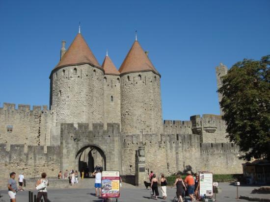 carcasonne picture of chateau et remparts de la cite de carcassonne carcassonne tripadvisor. Black Bedroom Furniture Sets. Home Design Ideas