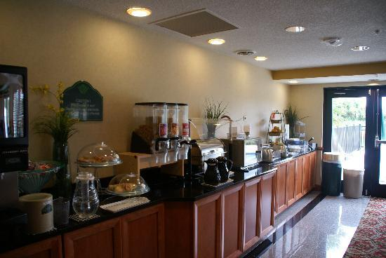 Wingate by Wyndham St Augustine: The breakfast area