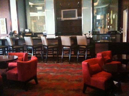 แพลทินัม โฮเต็ล แอนด์ สปา: Stir lounge