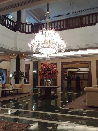 The Oberoi Grand: The lobby Oberoi Grand Kolkata