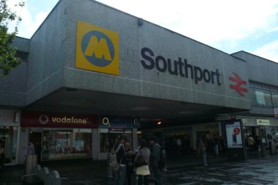 Саутпорт, UK: Southport train station
