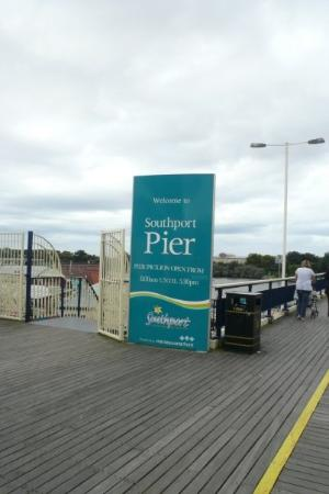 Southport, UK: the first iron pier in Britain?