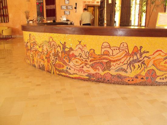 Chich Khan: reception desk