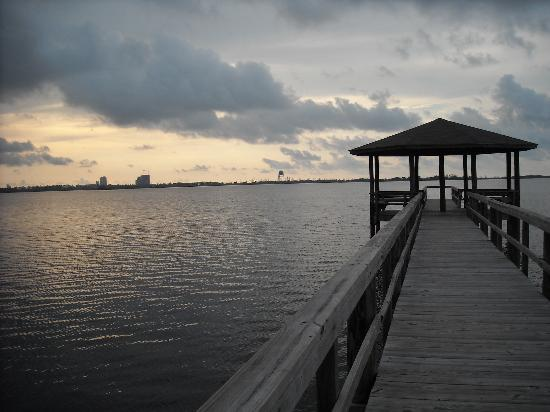 Gulf State Park Campground: Fishing Pier on Lake Shelby