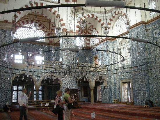 Mezquita de Rüstem Paşa: 美しい内部1