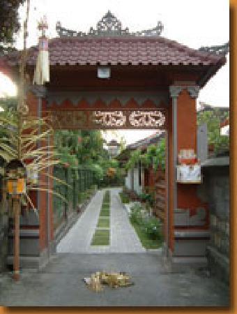 keke homestay gate