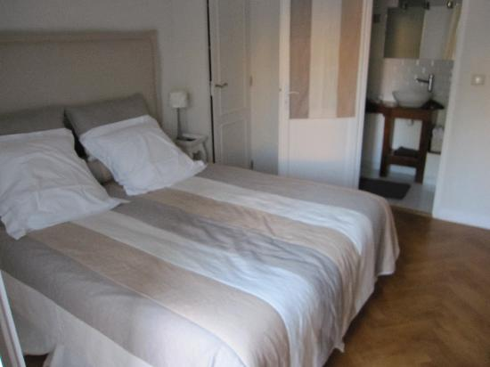 chambre bild von la villa bordeaux chambres d 39 hotes bordeaux tripadvisor. Black Bedroom Furniture Sets. Home Design Ideas