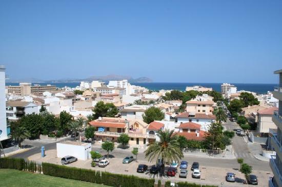 SuneoClub Haiti: view from balcony