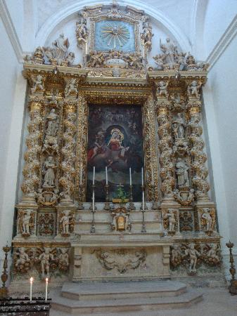 Interieur d 39 glise picture of lecce province of lecce for Interieur eglise