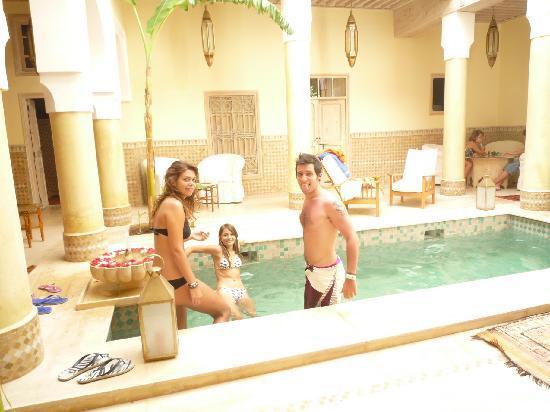 Riad Azoulay: il bagno in piscina
