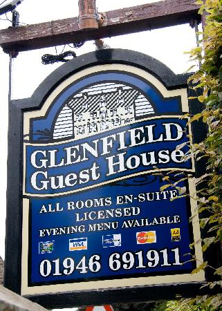 Glenfield House: Sign outside the guesthouse