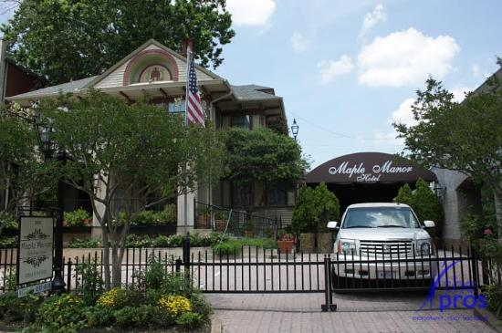 Maple Manor Bed And Breakfast Dallas