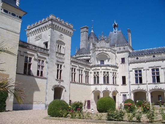 Breil, Frankrijk: Chateaux Breze- good for kids