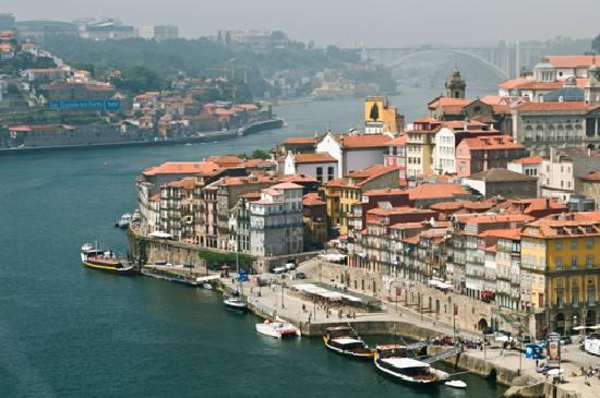 Guest House Douro: The river front where GHD is located.