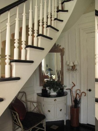 Winfield Bed and Breakfast: Stairway