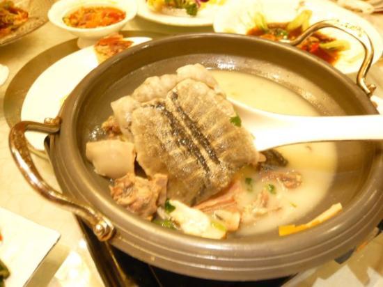 Lianyungang, Kina: Once more unfortable soup !!  Turtle soup !!