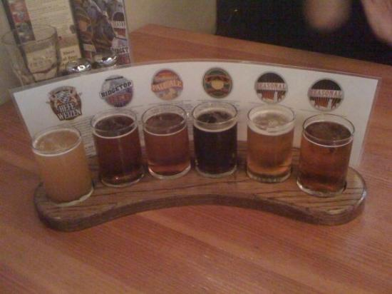 Silver City Brewery: My beer flight... YUM!