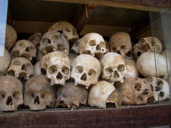 ทุ่งสังหารเชิงเอก: the killing fields of Phomn Penh