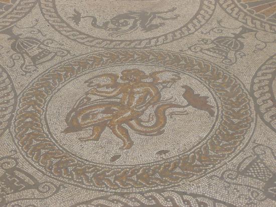 Τσίτσεστερ, UK: Mosaics