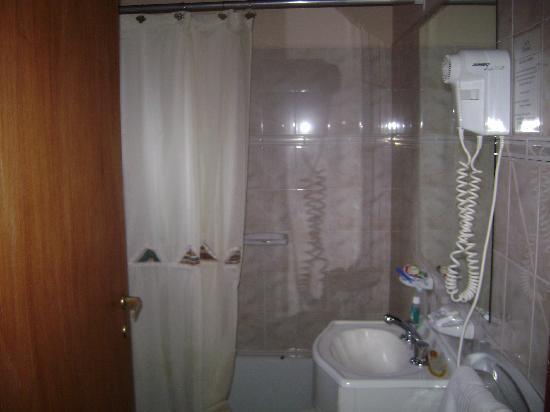 Lancuyen Villa de Montaña : bathroom
