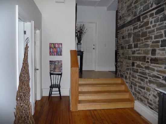 Frontenac Club Inn: Interior Hallway