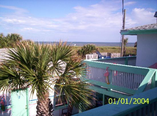 Magic Beach Motel : From the balcony outside 18