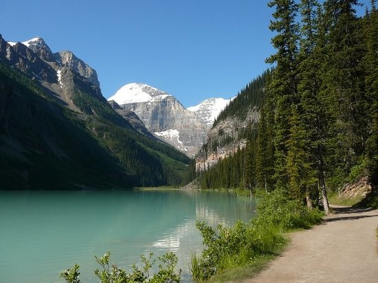 Danau Louise, Kanada: Walking track, Lake Louise, morning July 25