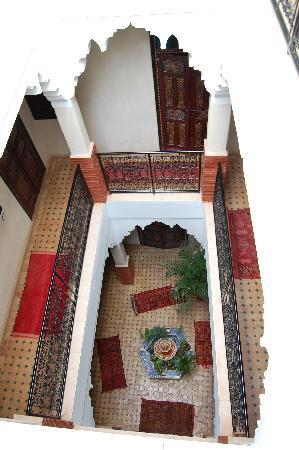 Riad Andalla: Looking down!