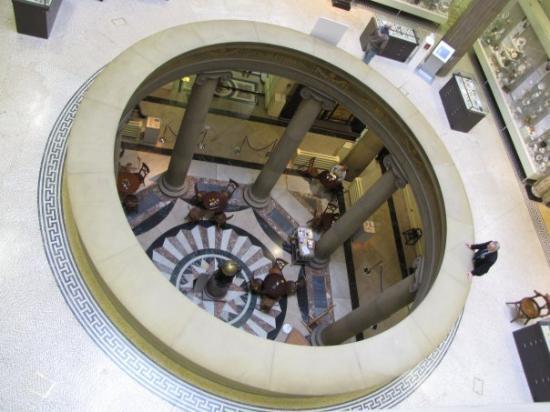 Harris Museum and Art Gallery: Harris Museum & Art Galley inside