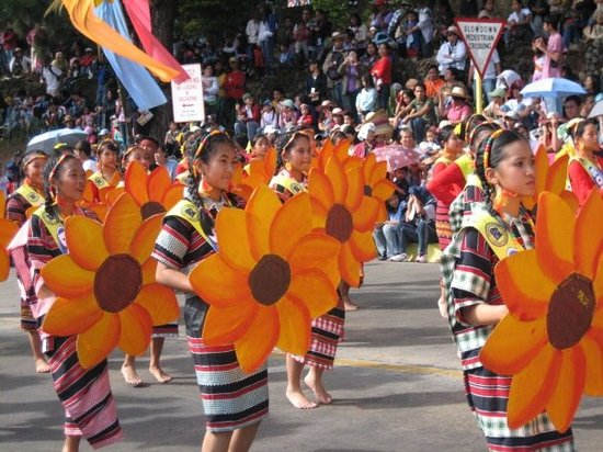 Baguio, Filippinerna: Street Dance Parade