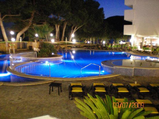 Olimarotel Gran Camp de Mar: pool at night