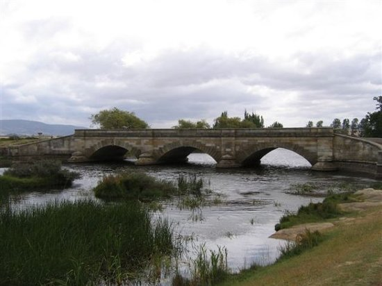 Launceston, Australië: Historical Bridge